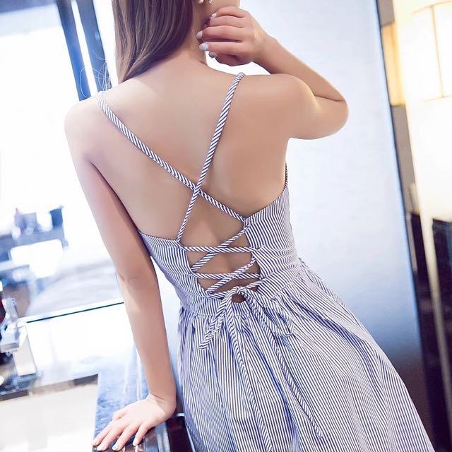 性感露背交叉綁帶藍白條紋洋裝