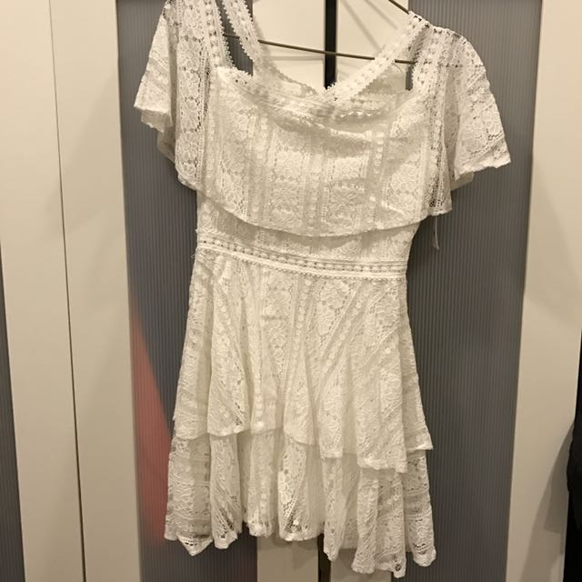 平肩 白 洋裝👗