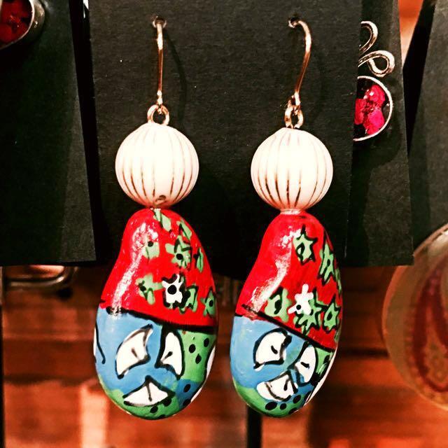 日本選物:: 嬉皮 塗鴉石塊造型 耳環