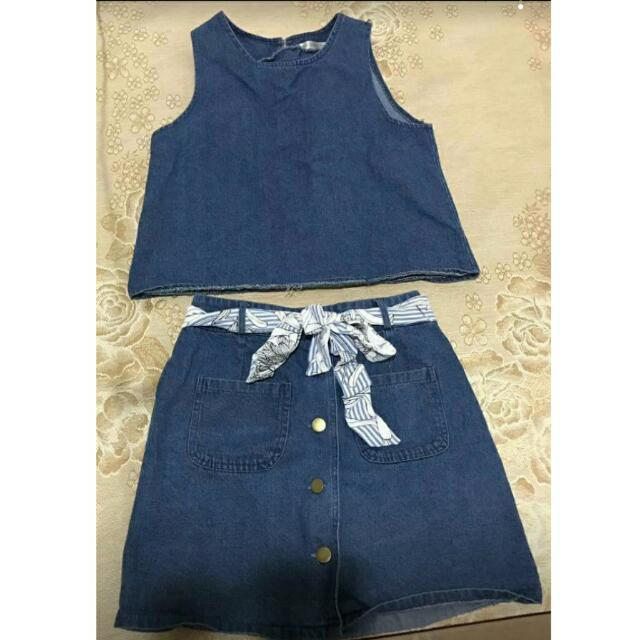 🔸全新 牛仔套裝 深藍色 兩件式 #有超取最好買 #好想找到對的人 #舊愛換新歡