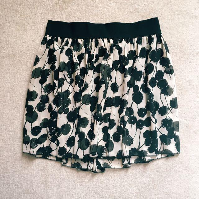 Abstract dots skirt