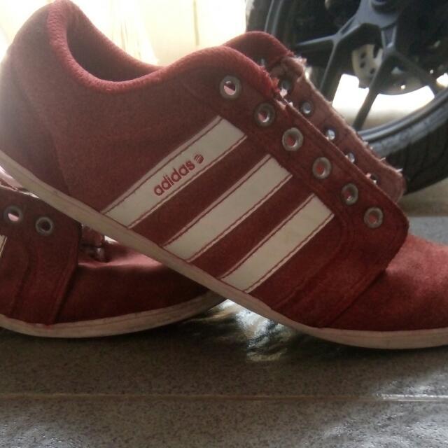 Adidas Neo merah
