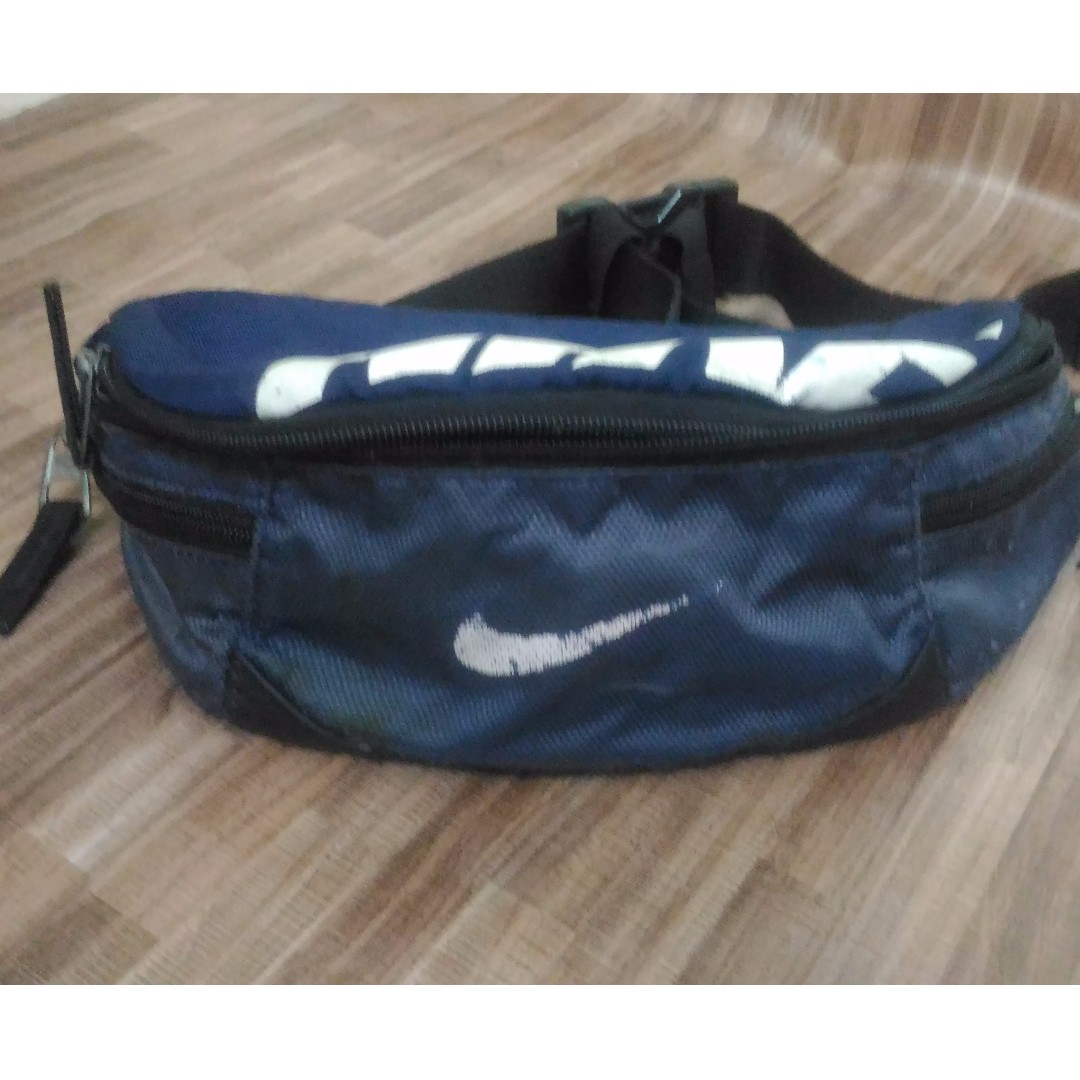 Authentic Nike Waist Pouch Bag, Men s Fashion, Bags   Wallets on Carousell 78a11bfe4b