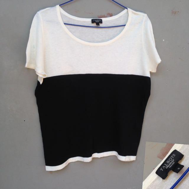 Baju hitam putih