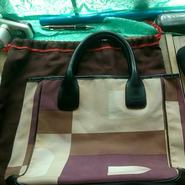 Bally Hand Bag Authentic 👜