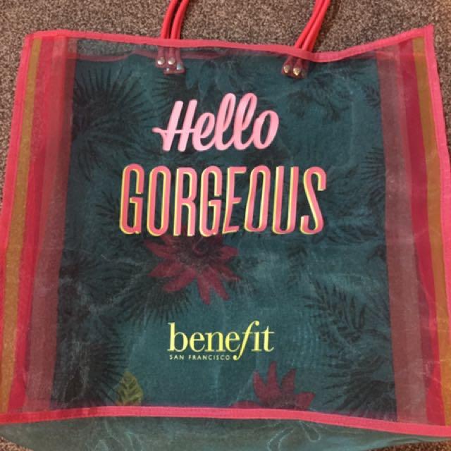Benefit gorgeous bag