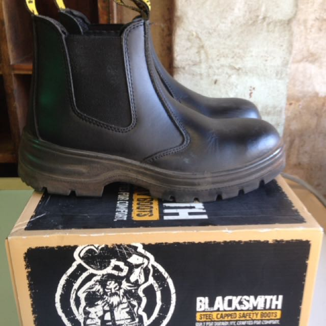 7e46a1e36a4 Blacksmith Steel Capped Safety Boots, Outdoors & Gardening on Carousell