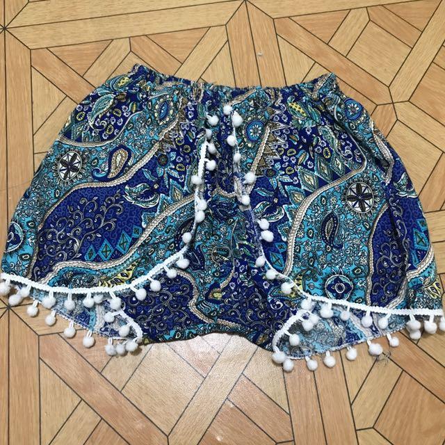 Bohemian short pom-pom blue