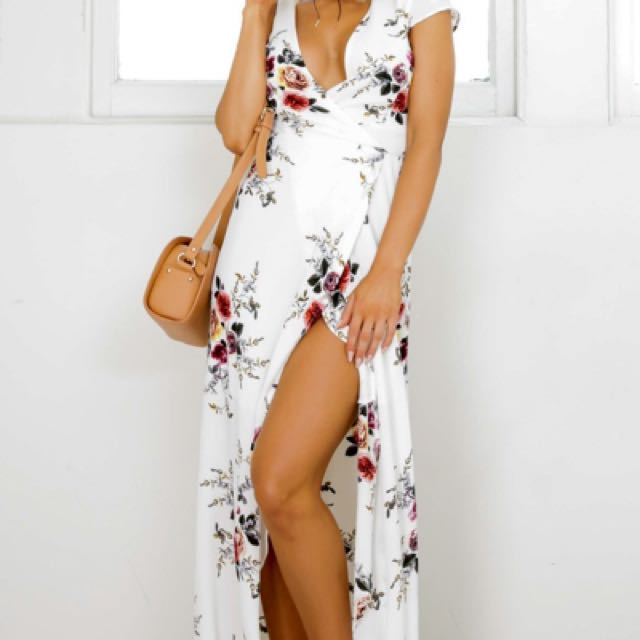 Brand new SHOWPO maxi floral dress 14