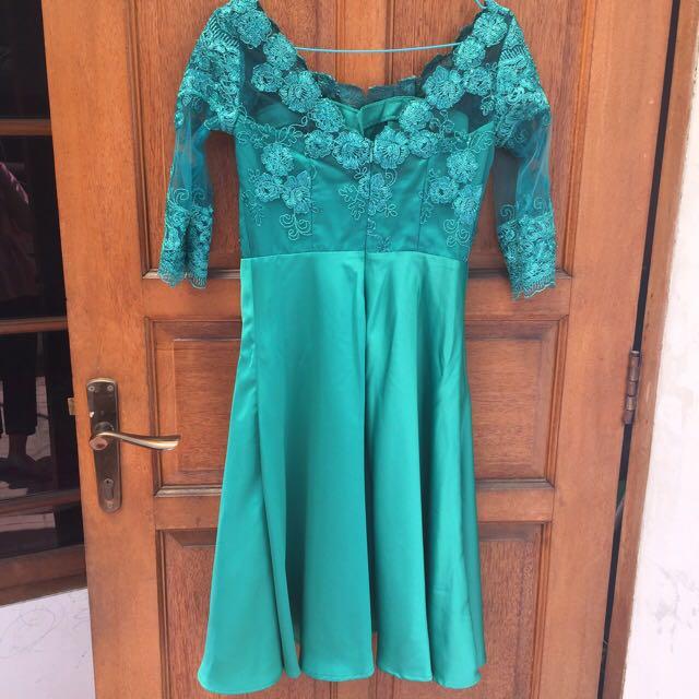 Brukat dress size S