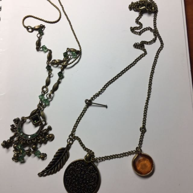 Buy 1 get 1 free vintage necklaces