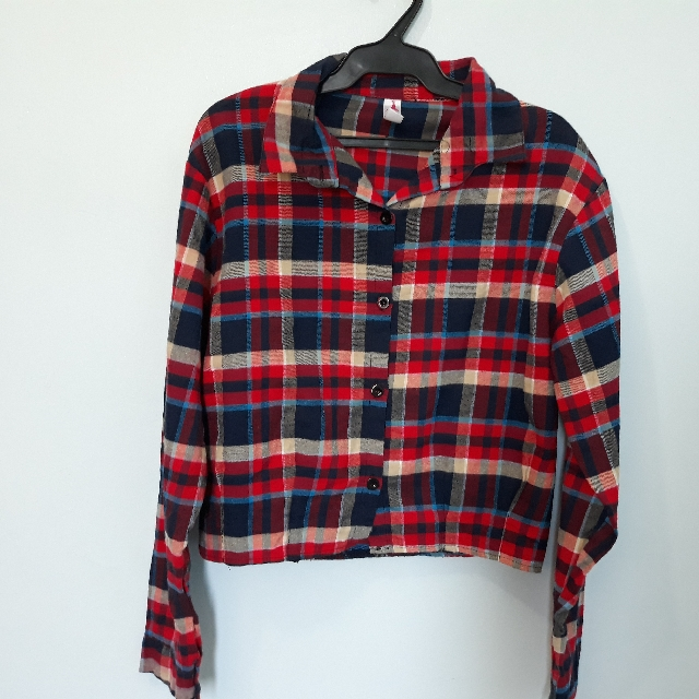 8739858435c Checkered Longsleeve Crop top, Women's Fashion, Clothes, Tops on Carousell