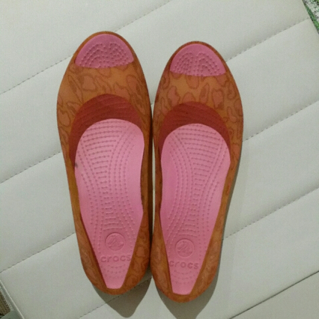 Crocs Size 7 Orange peep toe flats