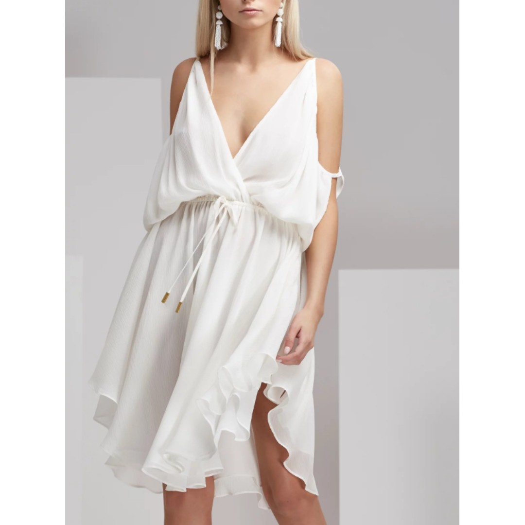 FINDERS KEEPERS MATEO CUT AWAY DRESS. Size Large.