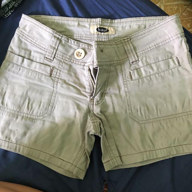 Freego shorts size 27