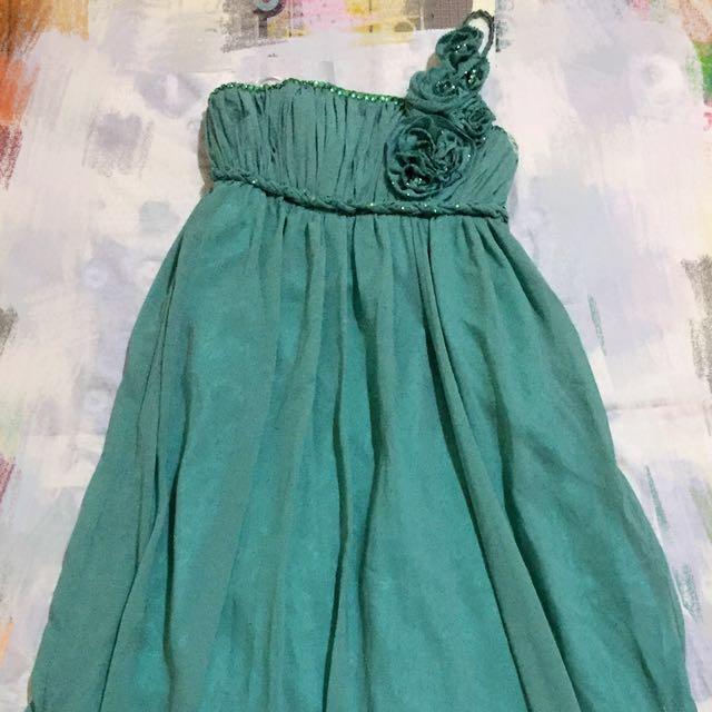 Gaun pangjang hijau