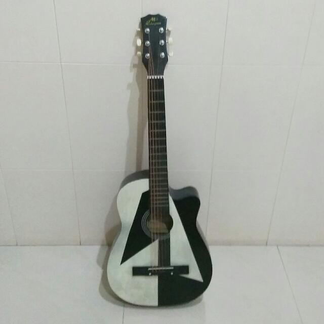 Gitar Bekas