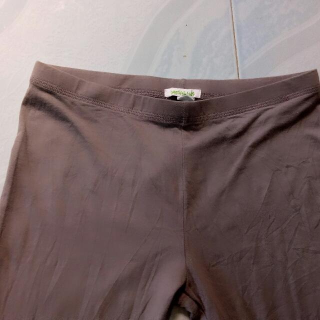 Gray leggings ..cool fabric