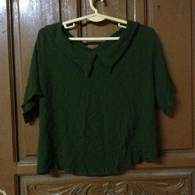 green blouse crop top