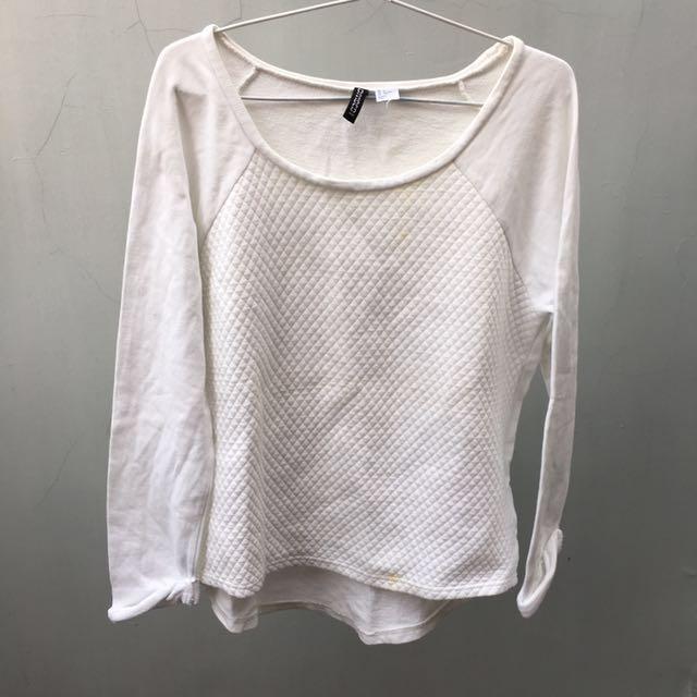 H&M white sweatshirt