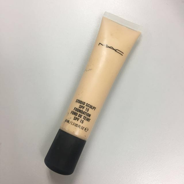 MAC Studio Sculpt Foundation NC25