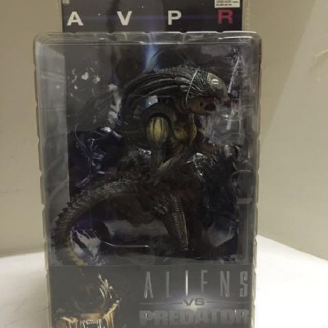 neca alien vs predator requiem hybrid predalien toys games other