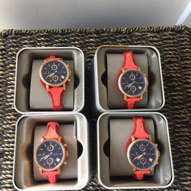 NEW Fossil BF Red Watch