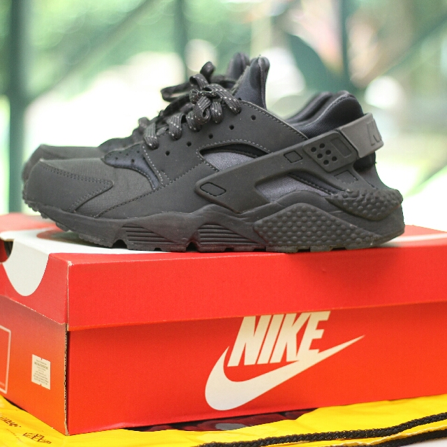 the latest 0ea59 35788 nike huarache cool grey black with reflective lace