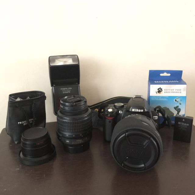 Nikon. D60 Dslr Set With 3 Lens
