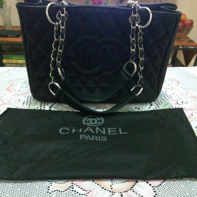 c01c5269cfce Non Authentic BLACK CHANEL BAG