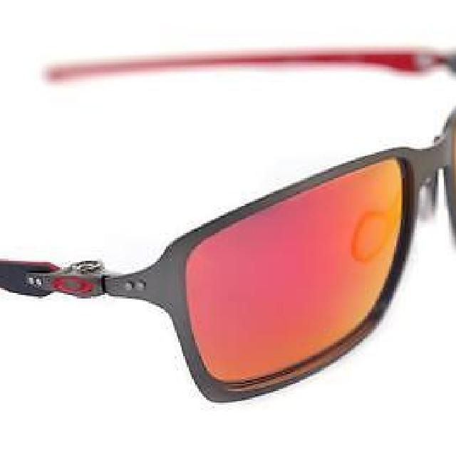 3c05b0a3b32 Oakley Tincan Carbon Carbon Ferrari sunglasses