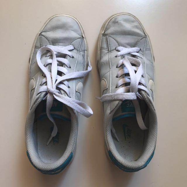 Original classic nike shoes