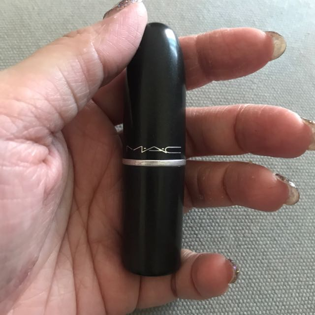 Preloved MAC lipstick (russian red)