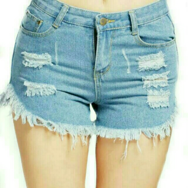 REPRICE! Ripped Short Jeans