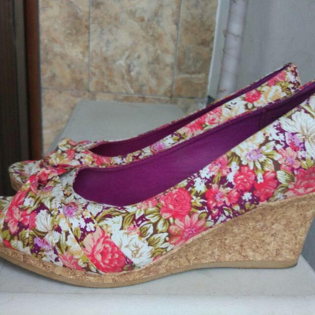 Sepatu payless size 42 / 10