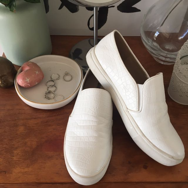 Shubar Slip on shoes