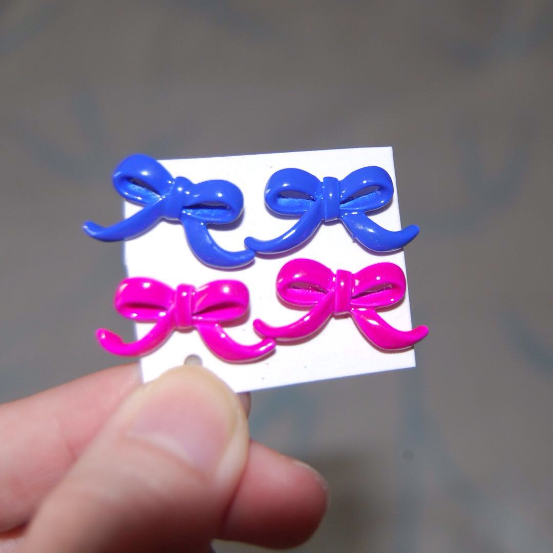 Two in One Price, Earring Ribbon Pink and Blue