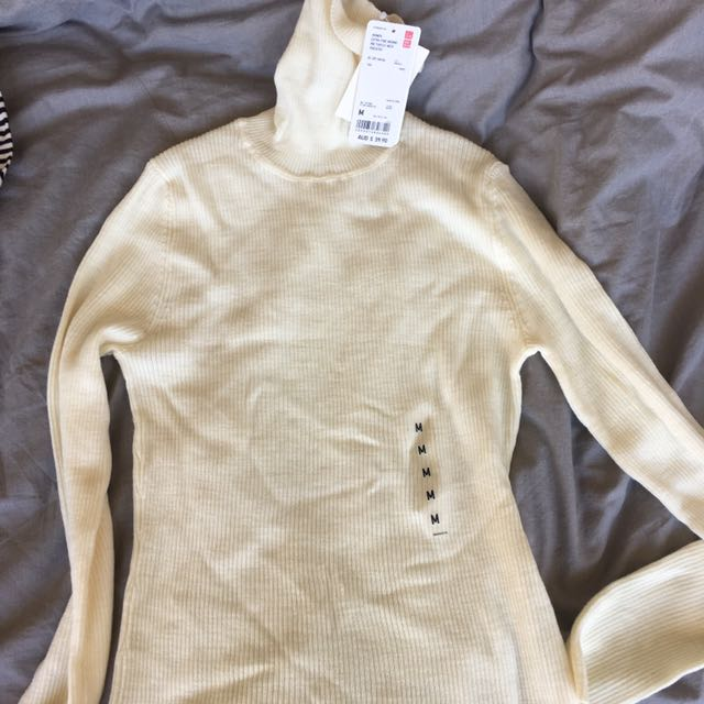 Uniqlo Turtle Neck Sweater