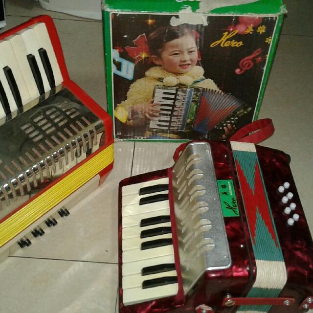 Vintage toy Accordion squeze box