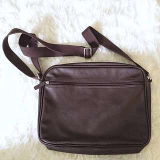 Tas selempang LEVI'S (100% authentic)