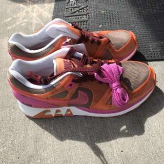Brand New Nike Women's running shoes - size 7.5