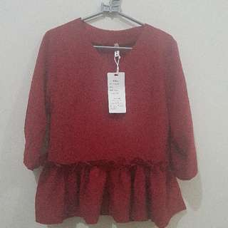 Masih BARU ^^ Red Blouse Renda Peplum . Size M . IMPORT China . Good Quality