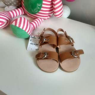 sz EUR23 (US 7) ZARA leather sandals with tag
