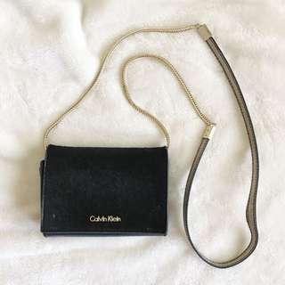 Calvin Klein • Cross body bag