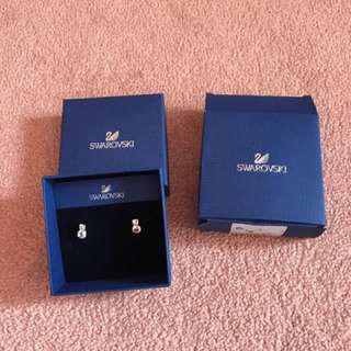 Swarovski beautiful earrings