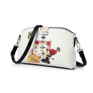Joana Sling bag