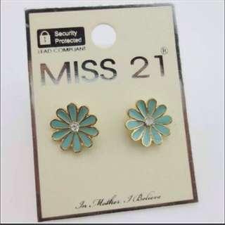 Freedom,blanch,miss21 Earringset