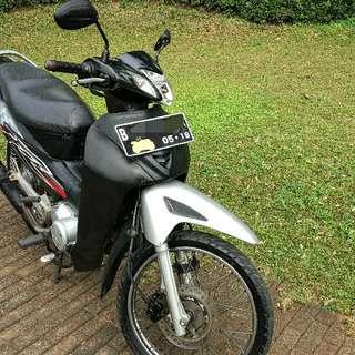 Motor Bebek honda kharisma km rendah asli rawatan tangan pertama mulus 2003