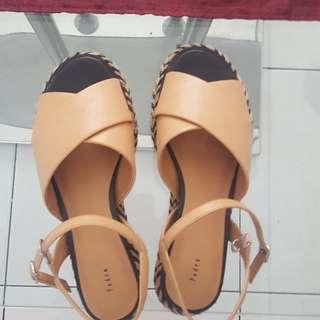 Sepatu Sandal Merk Pedro Size 37