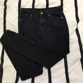 MIDRISE RIPPED SKINNY JEANS